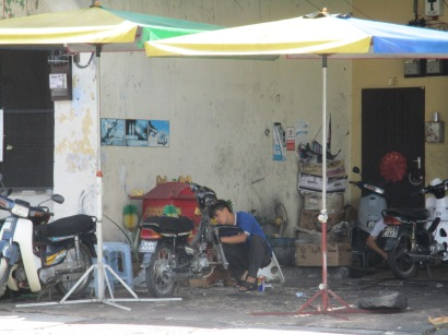Roadside motorcycle repairs