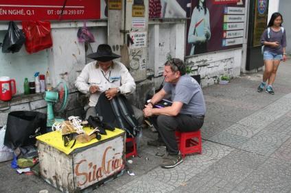 Street cobbler Saigon